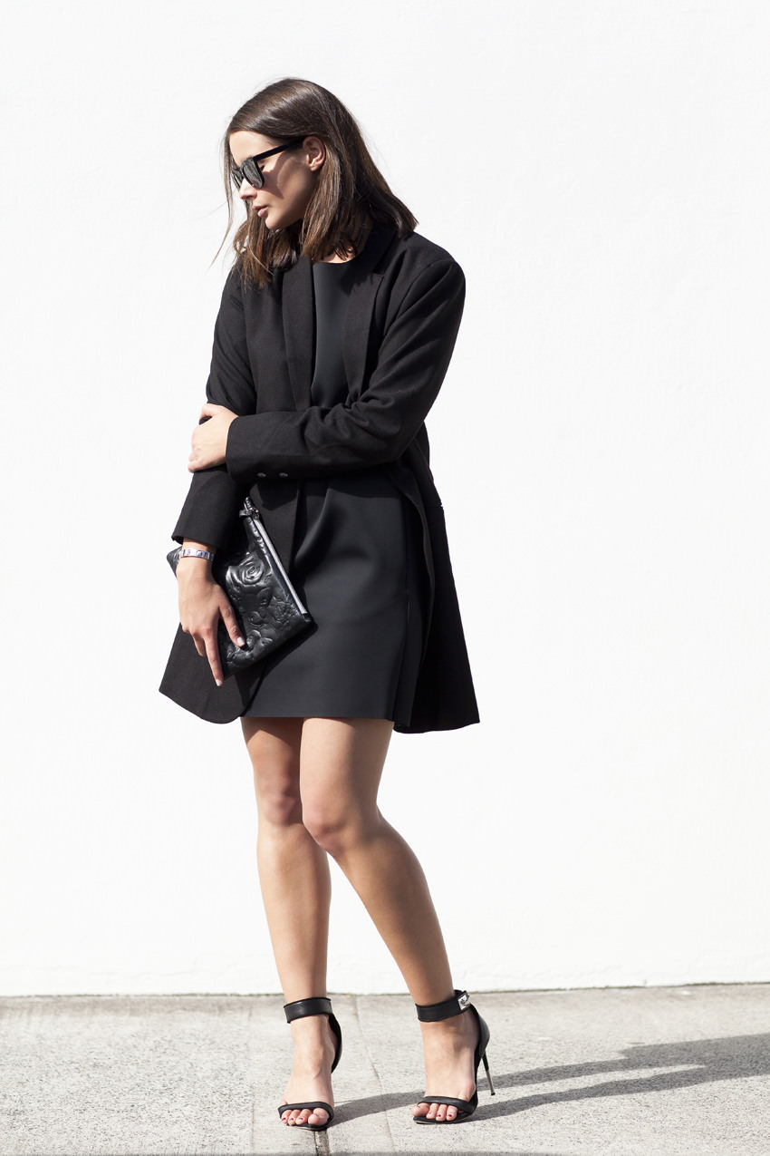 harper-and-harley_minimal_all-black-outfit_Australian-fashion-blogger_1