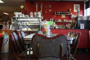woolangabba antique centre cafe