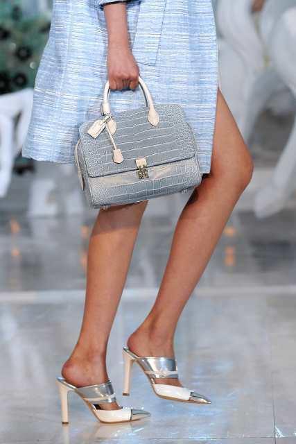 Louis Vuitton: Runway - Paris Fashion Week Spring / Summer 2012
