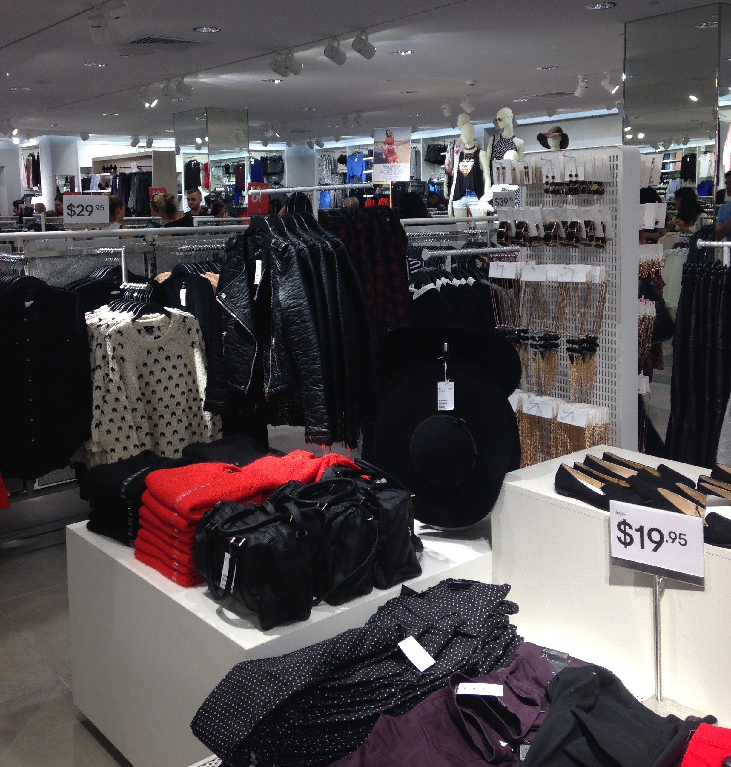 H&M Indooroopilly (1)