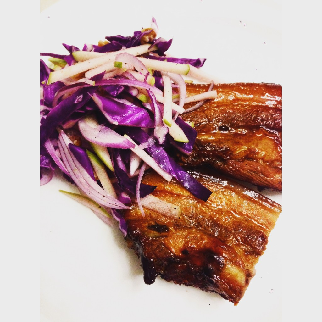 Sticky pork spare ribs with red cabbage salad
