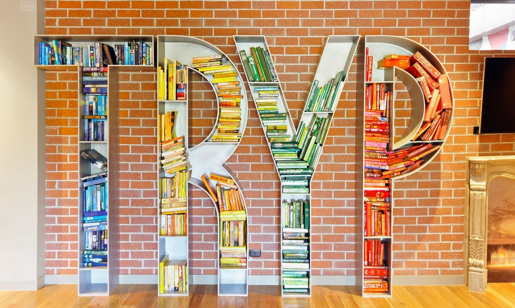 Library TRYP Hotel